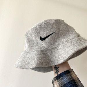 NWOT Nike Party / Bucket hat